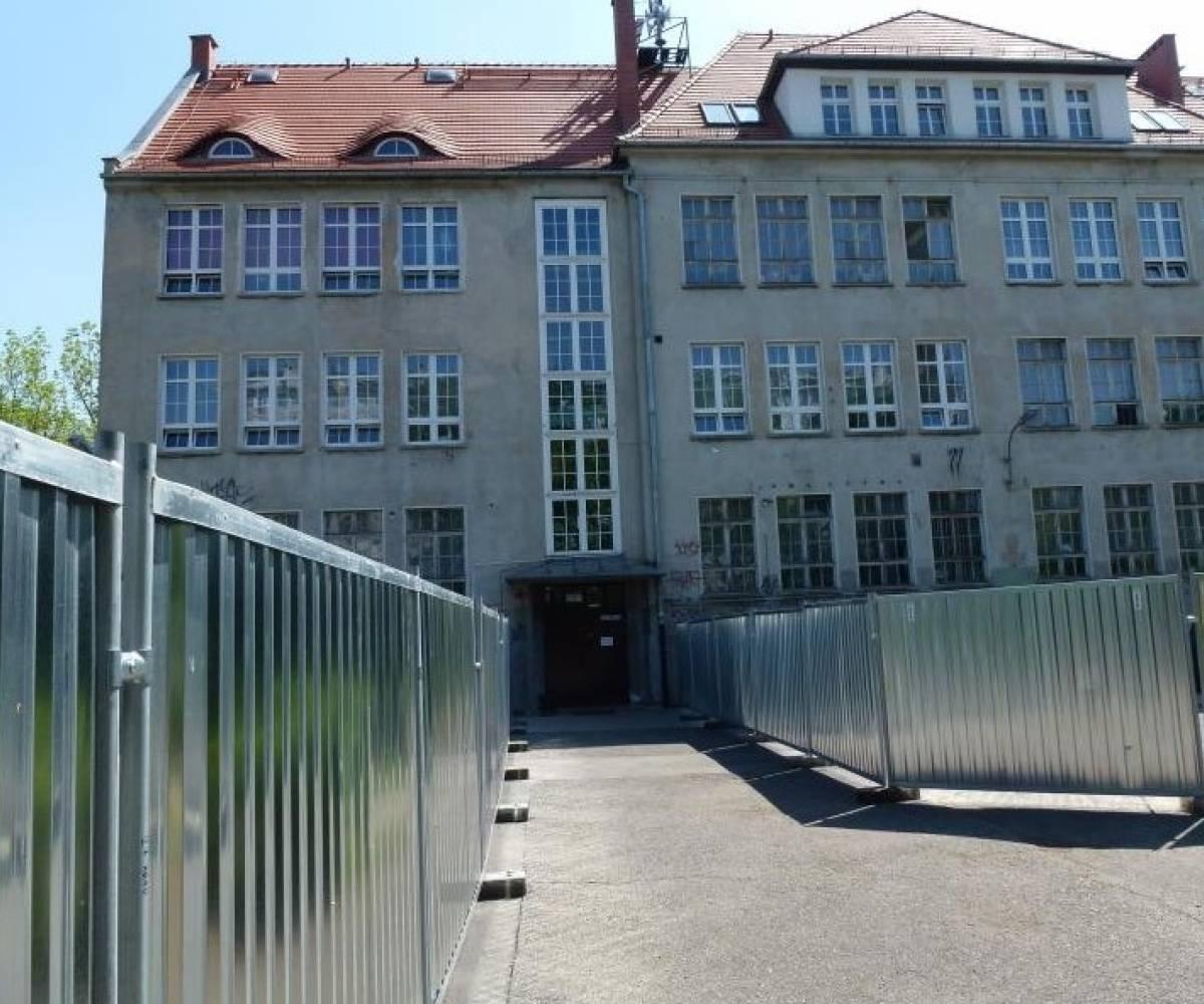 Wrocław ul. Januszowicka (Szkoła)